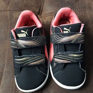 Toddle Black Pink and Gold Puma Sneakers
